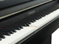 Yamaha Clavinova CLP685 schwarz matt Detailansicht Holztastatur