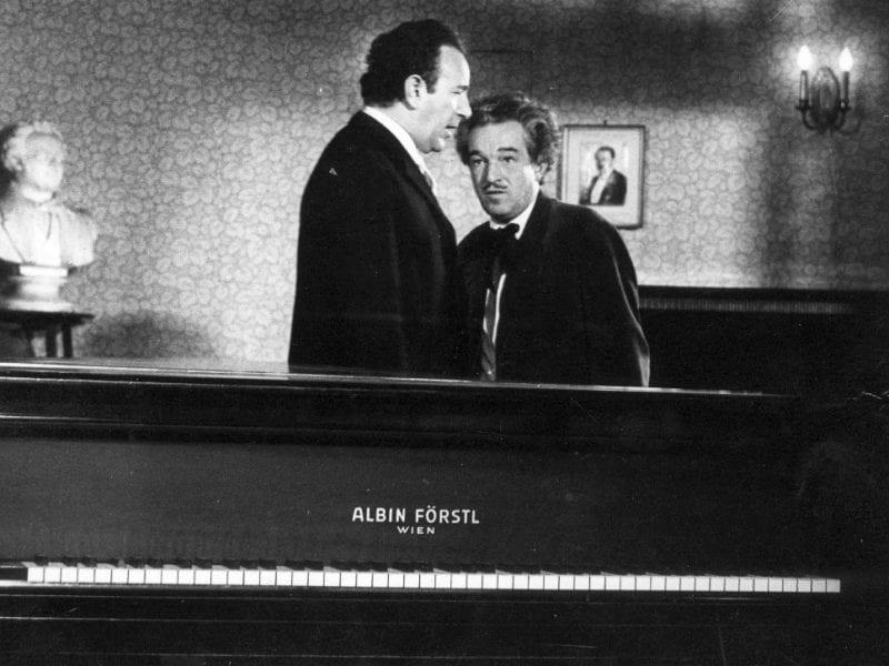"Gerhard Bronner & Peter Wehle im Kurzfilm ""Pianola-Story"""